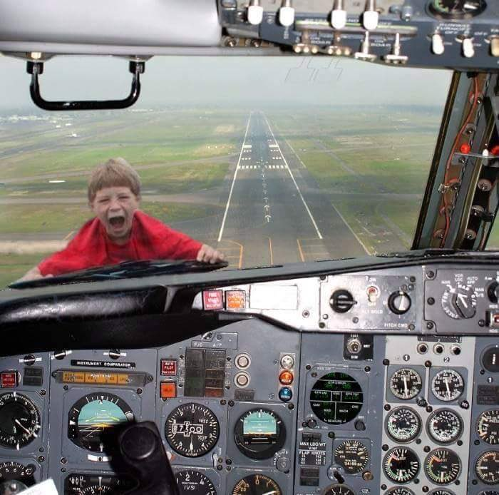"""Ryanair bans """"bring your child to work day!"""" in attempt to improve image 😀"""