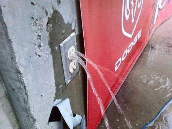I'm not an electrician but anyone else see a problem here? 😀