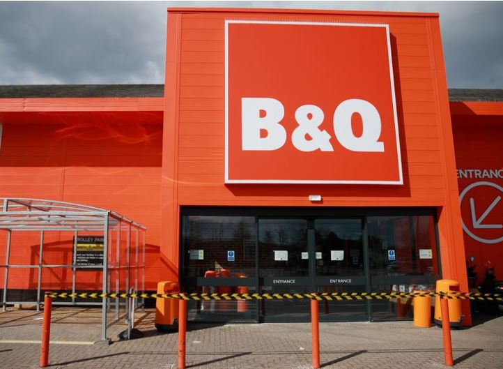 "Just called B&Q to ask how big the queue was. He said ""same size as the B"" 😀"