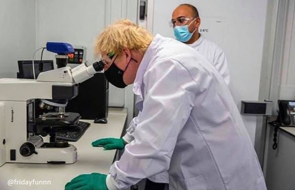 Boris Johnson examining a nurse's payrise! 😏