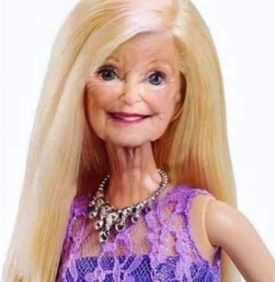 Happy Birthday Barbie. 85 today! 😀